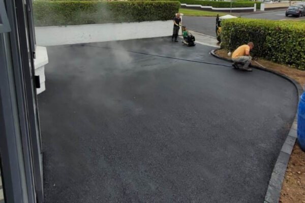 SMA Driveway with Charcoal Kerbing and Cobbled Apron in Bishopstown, Cork