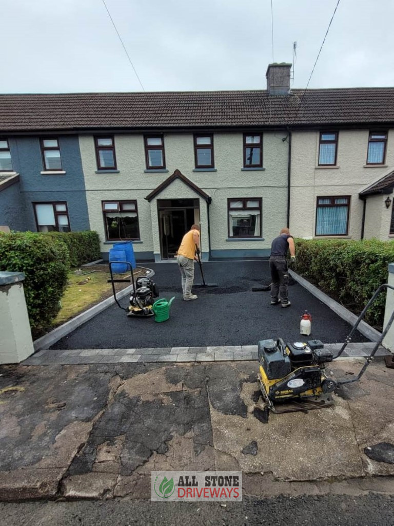 Tarmac Driveway with Black Granite Kerbing and Apron in Cork City